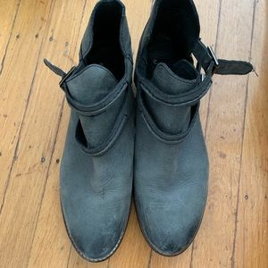 68c5aa9b0073 Free People Flat Boots on Poshmark
